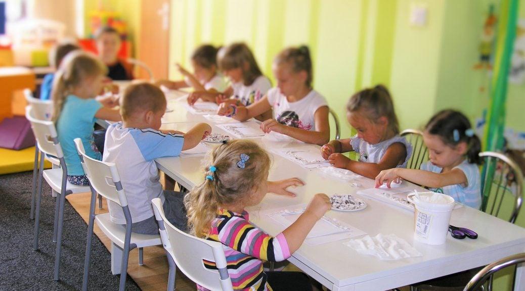 warsztaty plastyczne dla dzieci w grupach